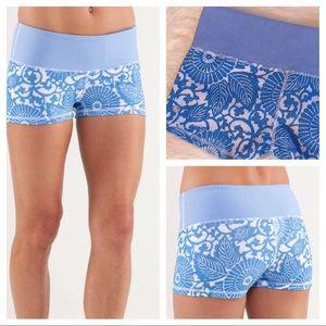 LULULEMON Beachy Floral Porcelain Boogie Shorts